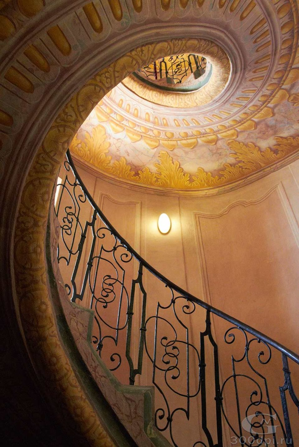 Винтовая лестница в Мелькском аббатстве